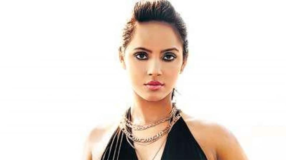 Neetu Chandra trains in boxing for her next