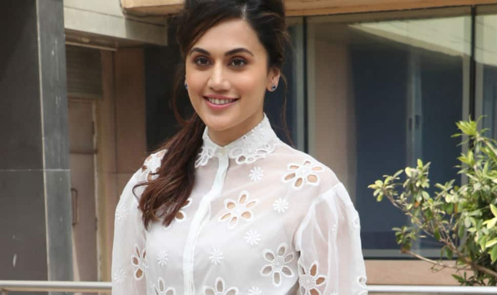 Taapsee Pannu prefers bruised hands over wearing chiffon sarees in snow!
