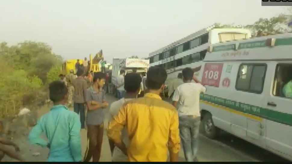 Jharkhand: 10 dead, 23 injured in bus-truck collision