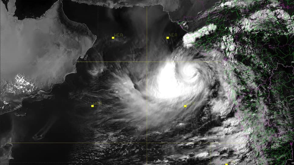 Gujarat, Diu brace for 'very severe' Cyclone Vayu; Army, IAF on standby