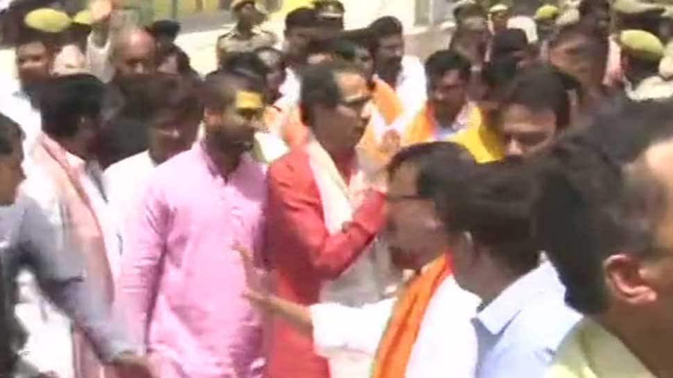 Uddhav Thackeray, 18 Shiv Sena MPs offer prayers at makeshift Ram temple in Ayodhya