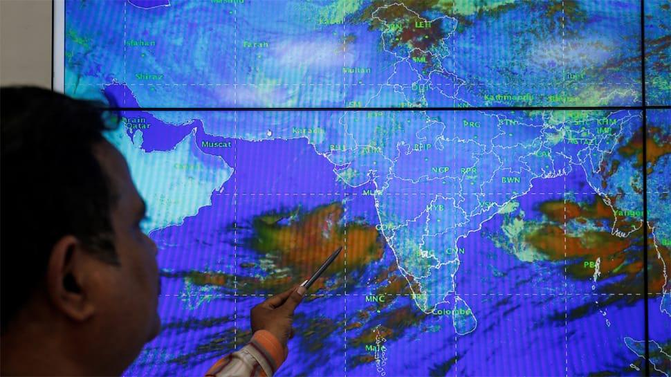 Cyclone Vayu weakens, to cross Gujarat coast by Monday night