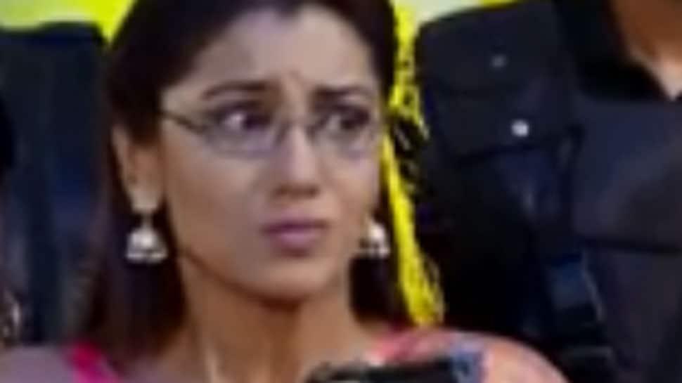 Kumkum Bhagya June 18, 2019 episode preview: Pragya tries to kill the CM, Abhi stops her
