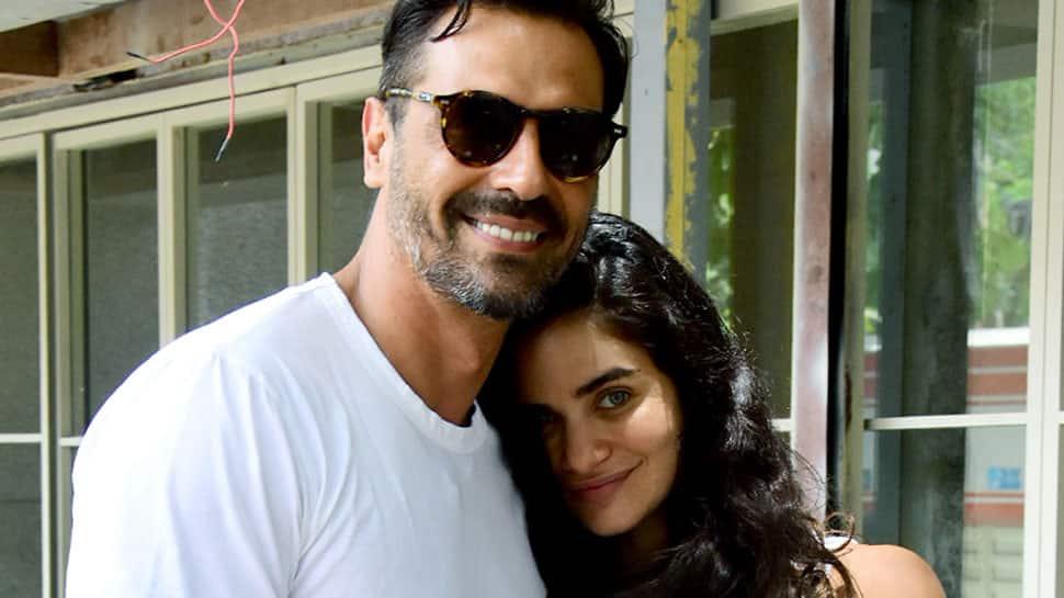 Arjun Rampal, preggers girlfriend Gabriella Demeteriades beat the summer heat in monochrome twinning—See pics