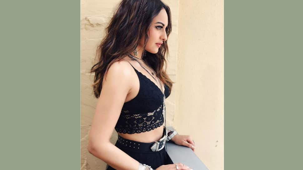 Sonakshi Sinha starrer Khandaani Shafakhana first poster out, trailer to be unveiled on June 21