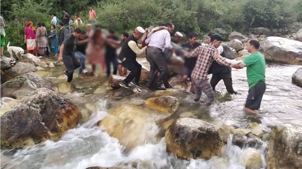 35 dead, 15 critical after bus with 50 onboard falls into gorge in HP's Kullu