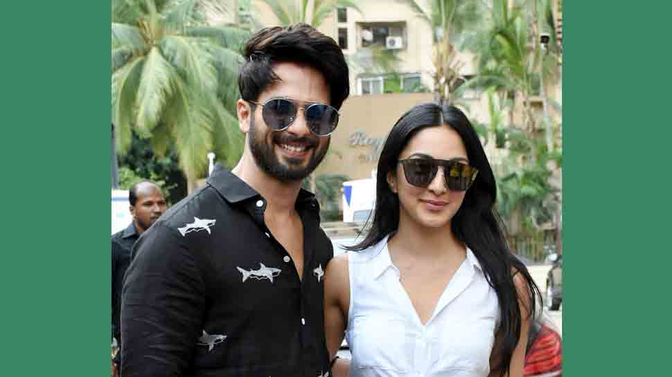 Kiara Advani looks sensuous in crop shirt and skirt with Shahid Kapoor at Kabir Singh promotions — Pics