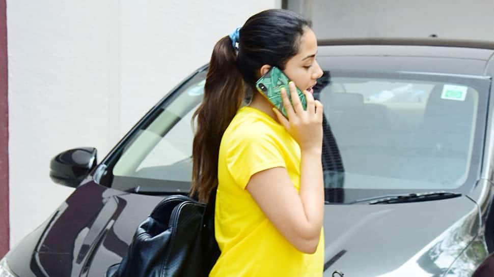 Mira Rajput snapped in yellow tee and black gym tights – Pics