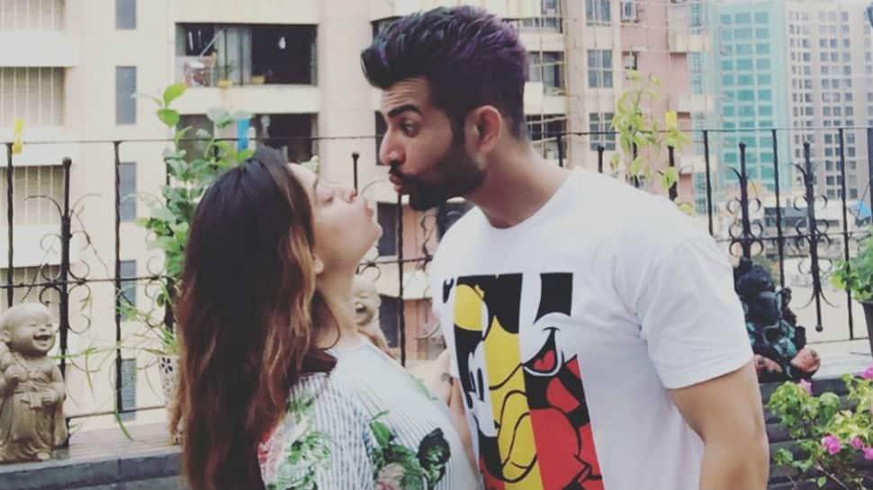 Jay Bhanushali and Mahhi Vij are enjoying parenthood to the fullest - Pics