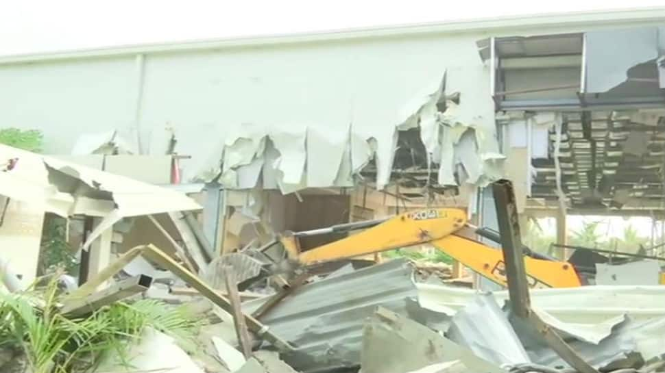 On Jagan Reddy's orders, JCBs begin demolition of building built by Chandrababu Naidu