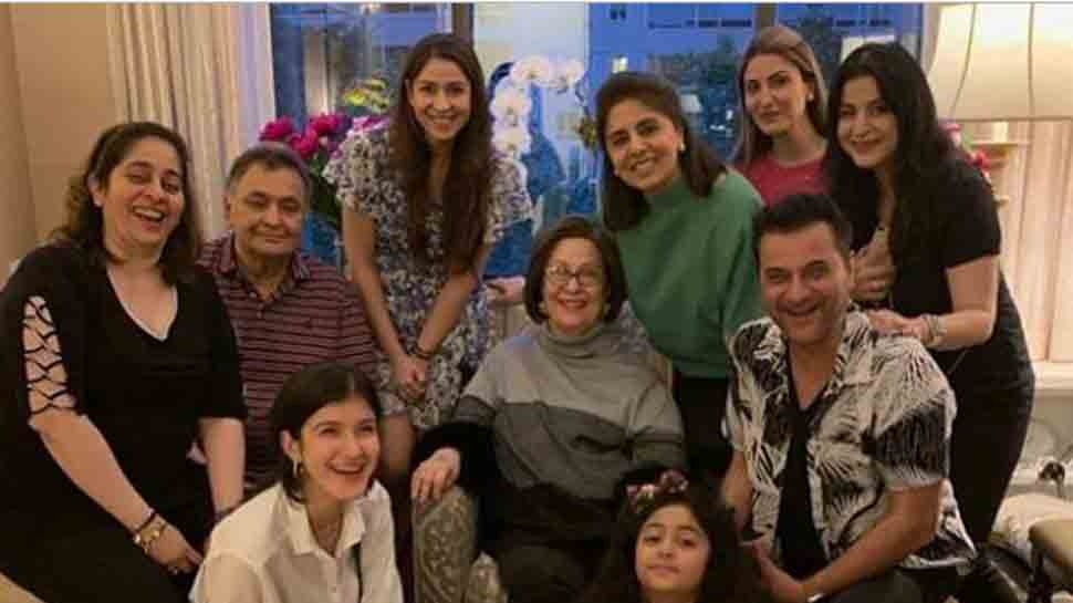 Sanjay Kapoor, Maheep spend time with Rishi Kapoor, Neetu Kapoor in New York — Check out pic