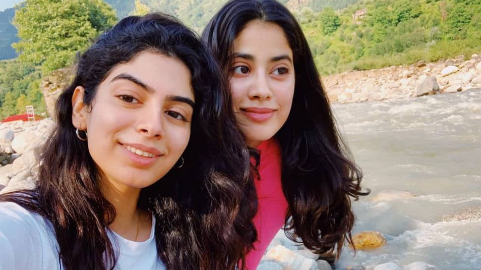 Janhvi Kapoor, sister Khushi chill in the mountains with their girl gang - Pics here