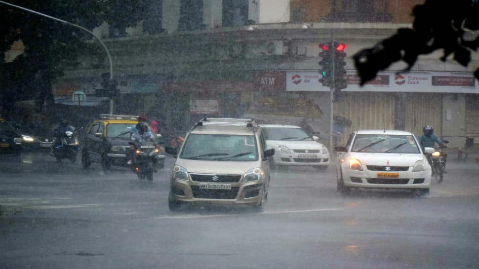 Familiar scenes of waterlogging as Mumbai gets heavy rainfall