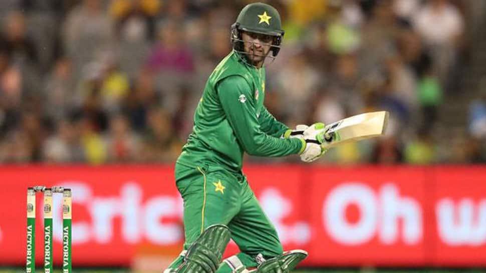 Farewell dinner but no farewell match for Shoaib Malik: Wasim Akram