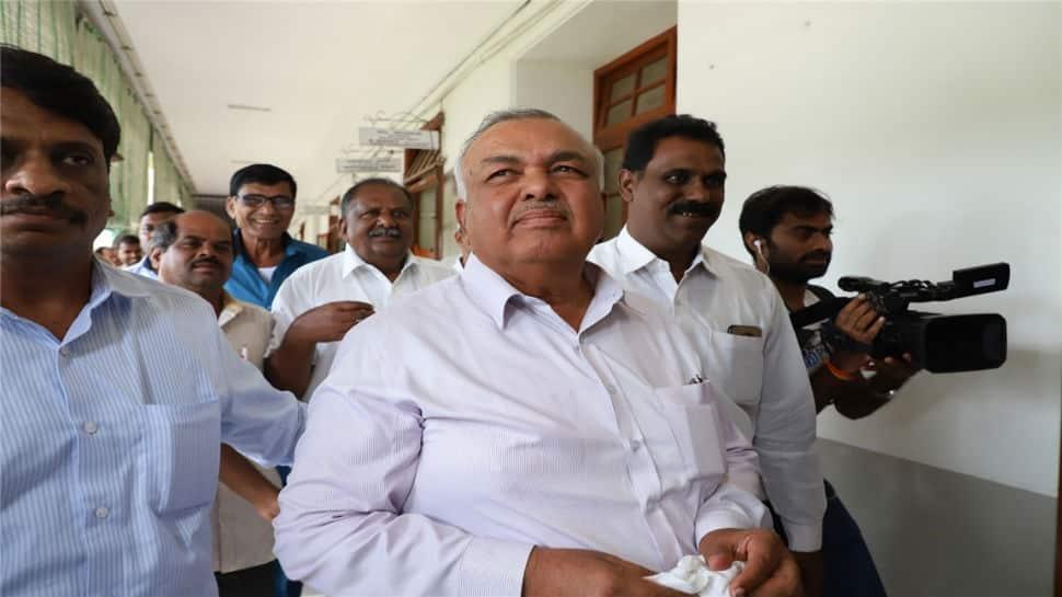 Congress, JDS in damage control mode in Karnataka after 11 dissenting MLAs reach Mumbai