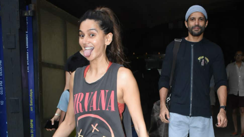 Farhan Akhtar and Shibani Dandekar's smiles light up Mumbai - Pics