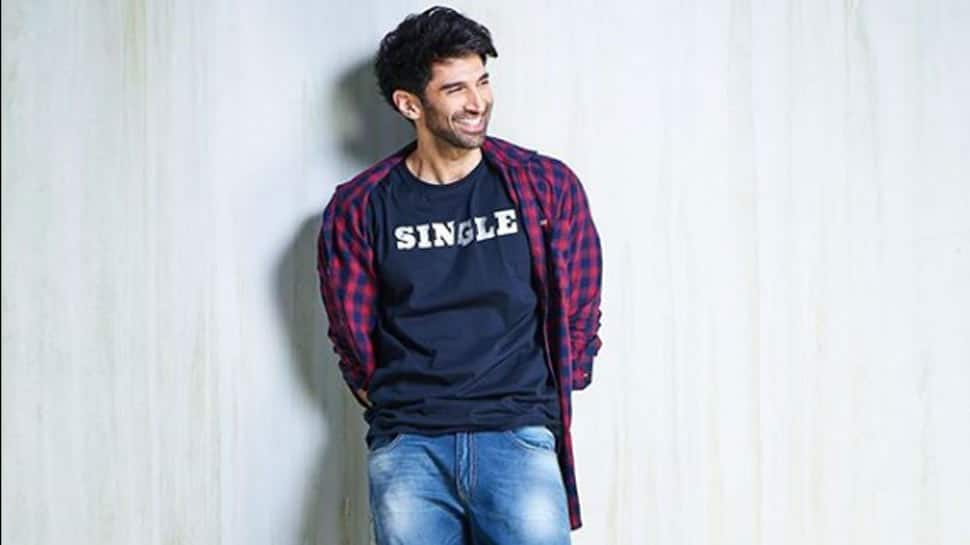 Aditya Roy Kapur cheers for team India in Manchester