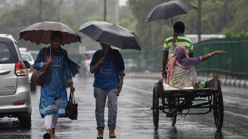 MeT dept predicts 'heavy to very heavy rainfall in Mumbai, issues red alert