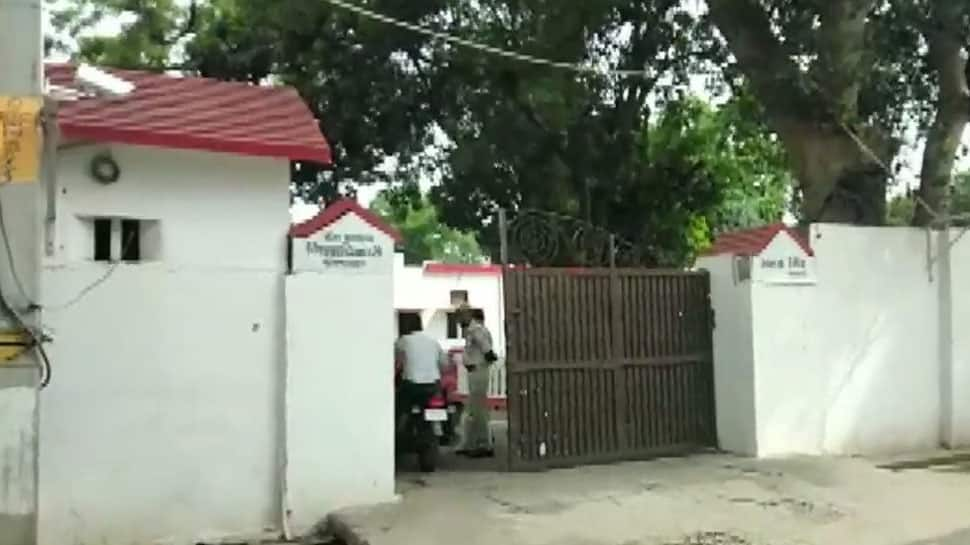 CBI conducts raids across UP, seizes Rs 57 lakh cash from top officials' home