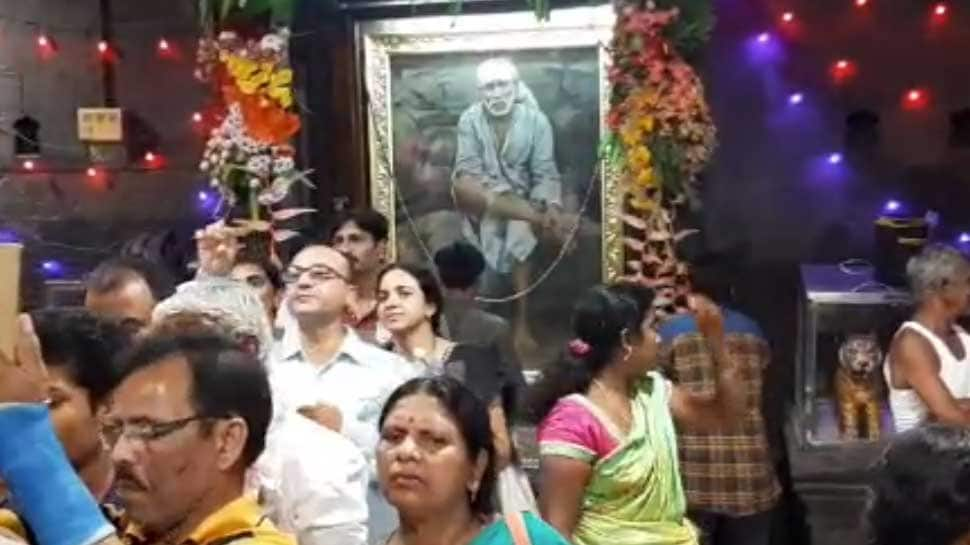 Shirdi Sai Baba 'gives darshan' to devotees, his image appears on wall of Dwarkamai