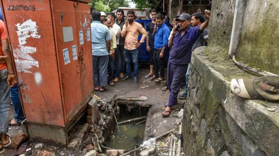 Operation to locate toddler who fell into Mumbai gutter called off