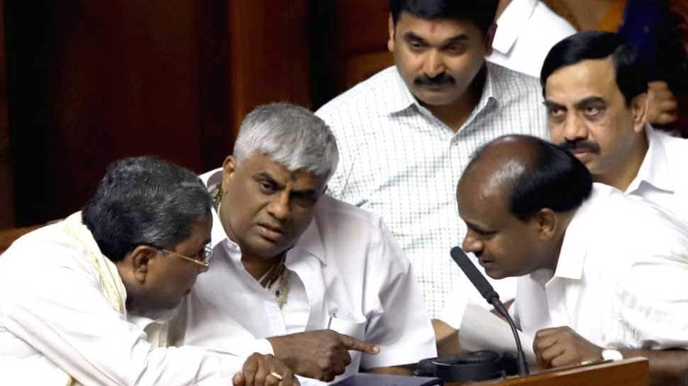 In new twist to Karnataka crisis, 5 more rebel Congress MLAs move SC against Speaker