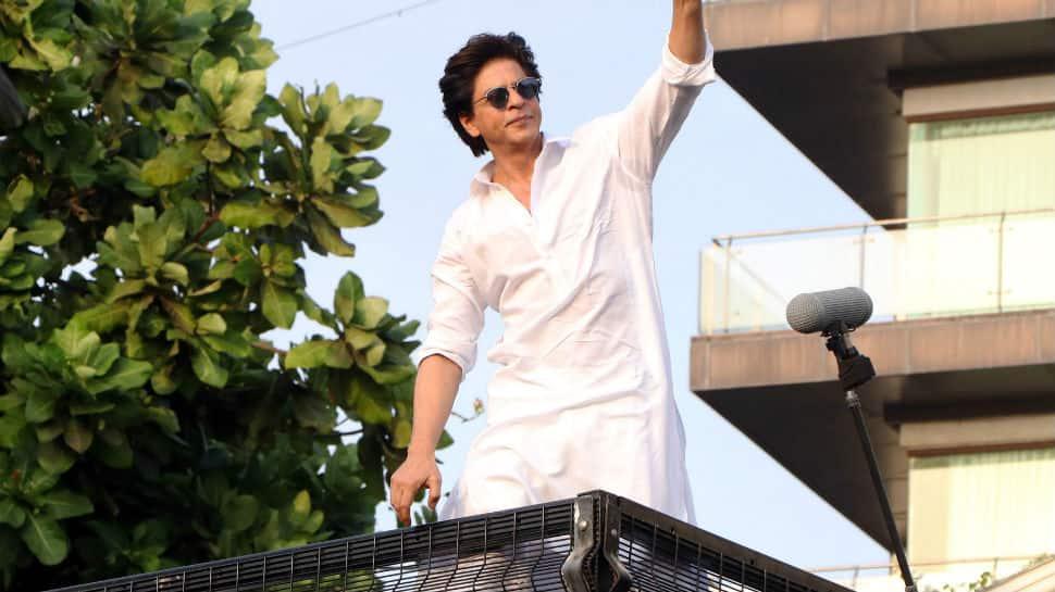 Fans fire Pakistani star Shaan for criticising Shah Rukh Khan