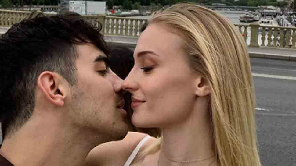Joe Jonas, Sophie Turner celebrate honeymoon with Maldives gateaway