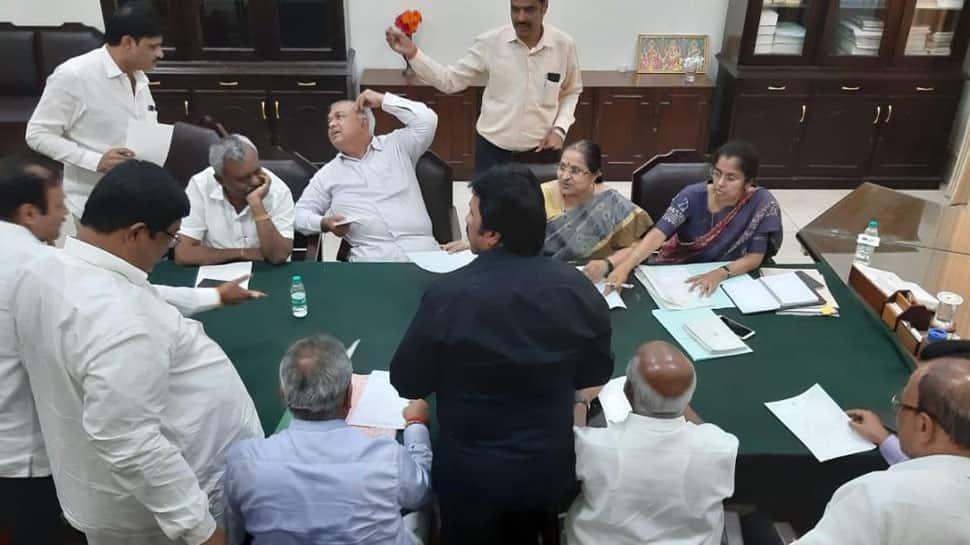 In letter to Mumbai Police, rebel Karnataka MLAs complain of threat from senior Congress leaders