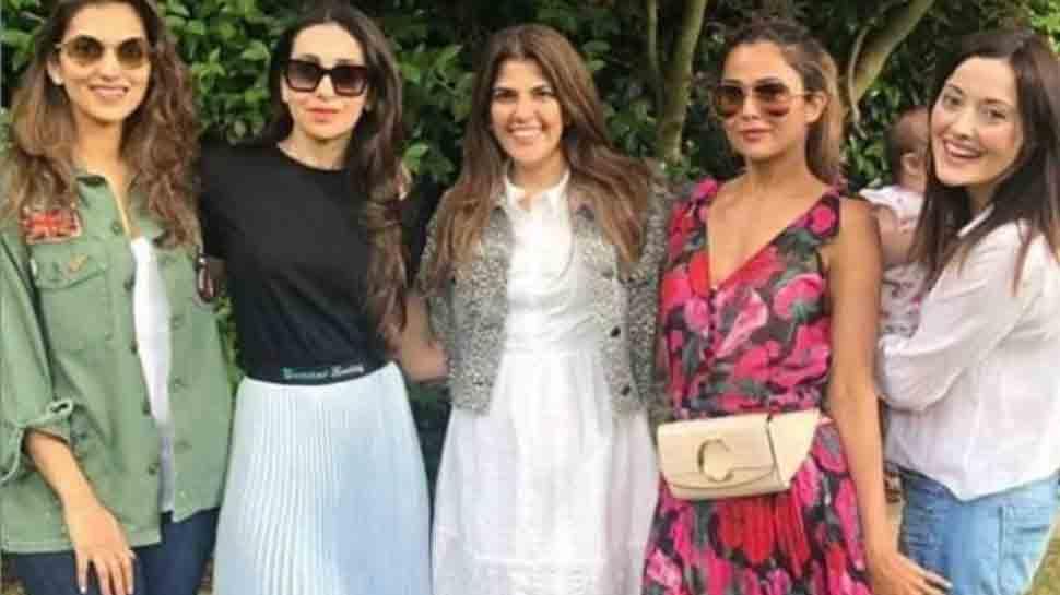 Karisma Kapoor enjoys weekend outing with Amrita Arora — Pic inside