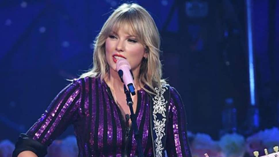 Taylor Swift, Idris Elba dance together in...
