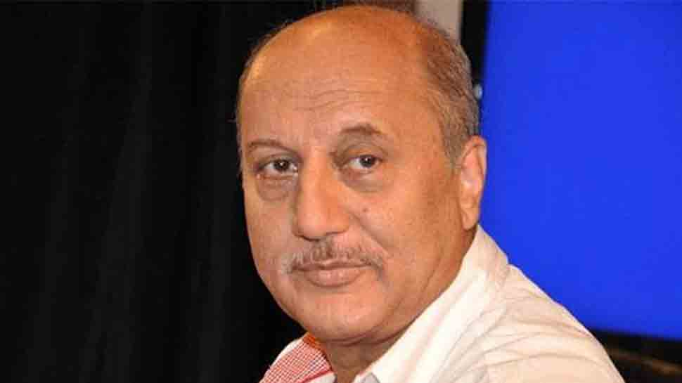 Anupam Kher visits Rishi, Neetu Kapoor in New York