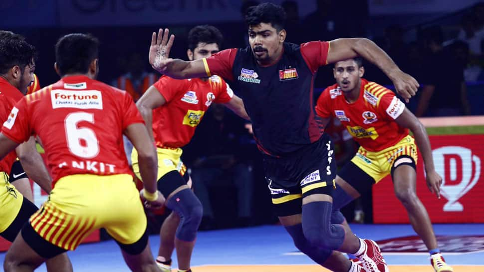 PKL 7: Gujarat Fortune Giants thrash defending champions Bengaluru Bulls 42-24