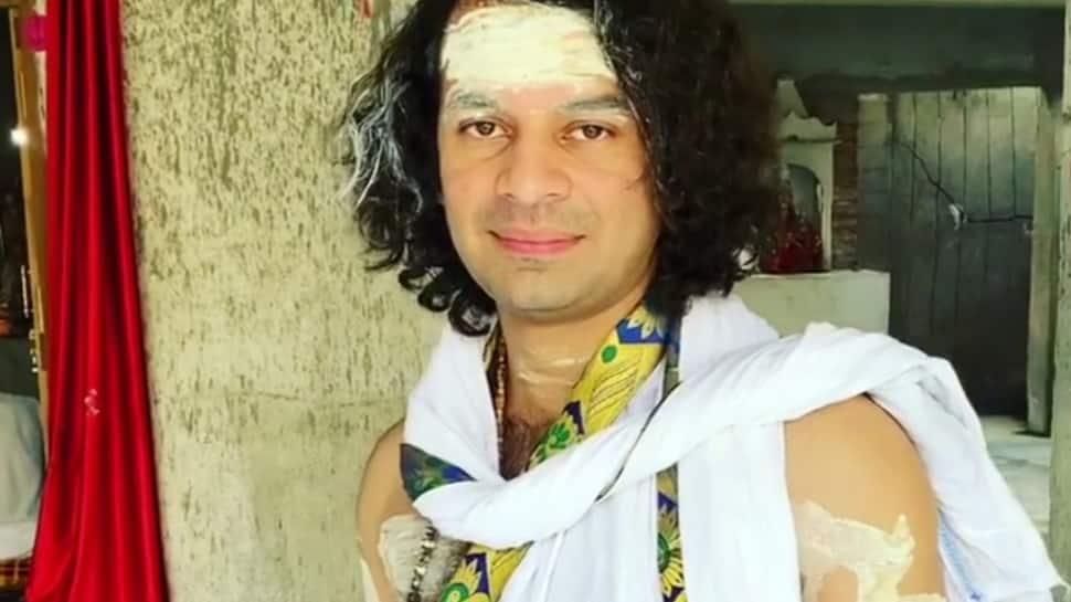 Lalu Yadav's son Tej Pratap plays Lord Shiva, offers prayers at a temple in Bihar's Patna