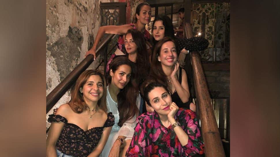 Malaika Arora, Karisma Kapoor, Amrita Arora, Seema Khan and others party in style - Pics