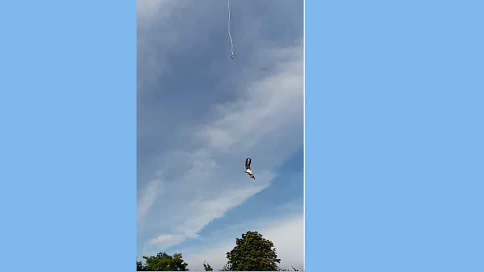 Man plunges to ground as bungee rope snaps, suffers severe injuries