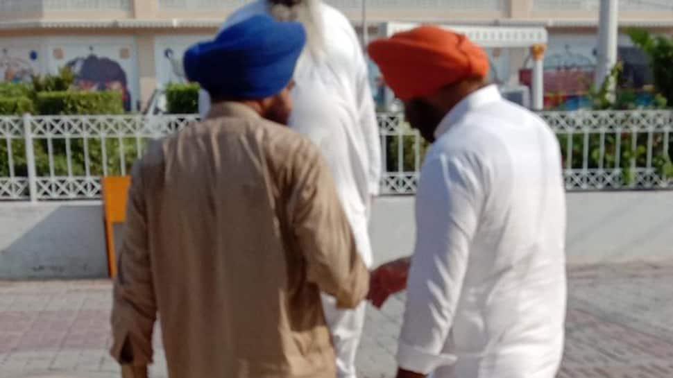 SAD leader Manjinder Sirsa clicked with pro-Khalistan leader Gopal Singh Chawla in Pakistan, row erupts