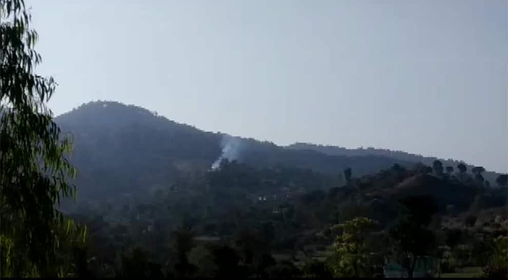 J&K: Pakistan violates ceasefire along LoC in Nowshera sector, Indian Army retaliates