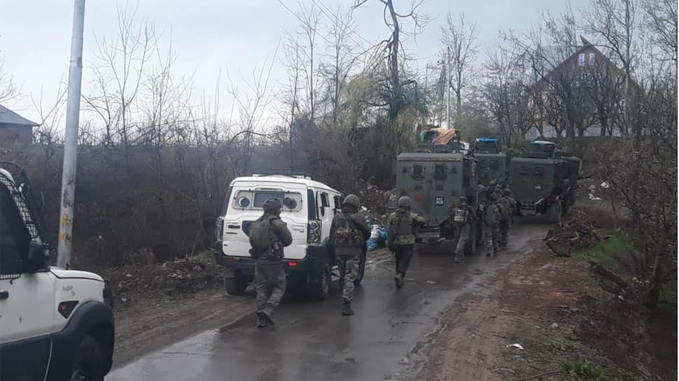 Shopian encounter: 1 Army jawan martyred, another injured; operation underway