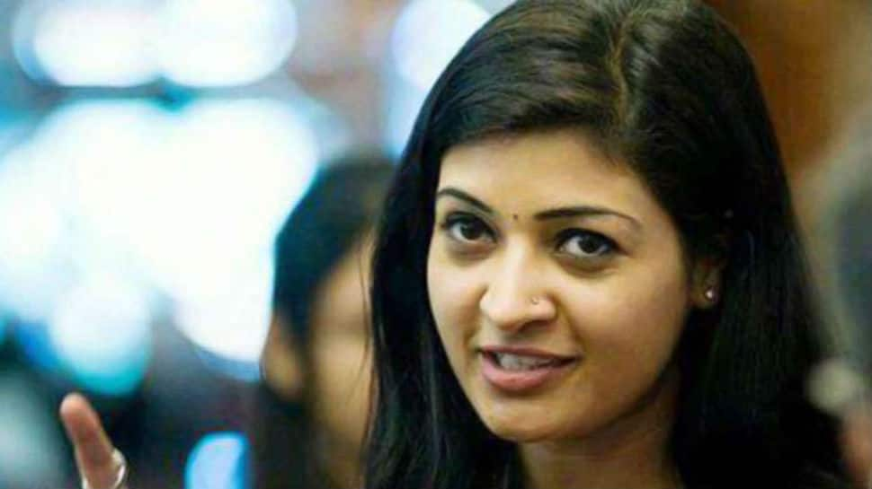 Alka Lamba resigns from AAP