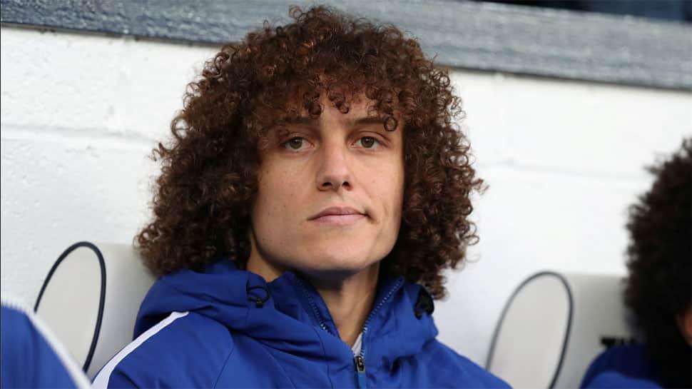 Arsenal sign Brazilian defender David Luiz from Chelsea