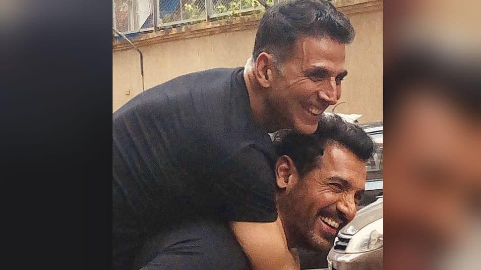 'Mission Mangal' vs 'Batla House': Akshay Kumar posts pic with John Abraham and the caption says it all