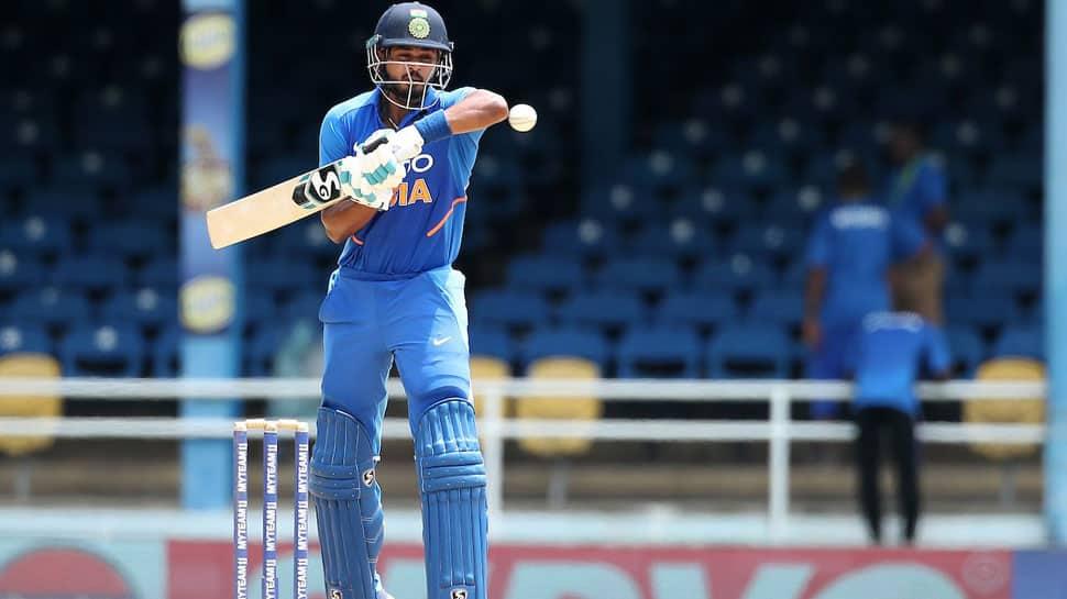 Sunil Gavaskar bats for Shreyas Iyer at 4 and Rishabh Pant at 5