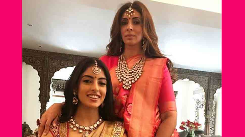 Navya Naveli reacts to Shweta Bachchan's throwback picture when she was pregnant with her