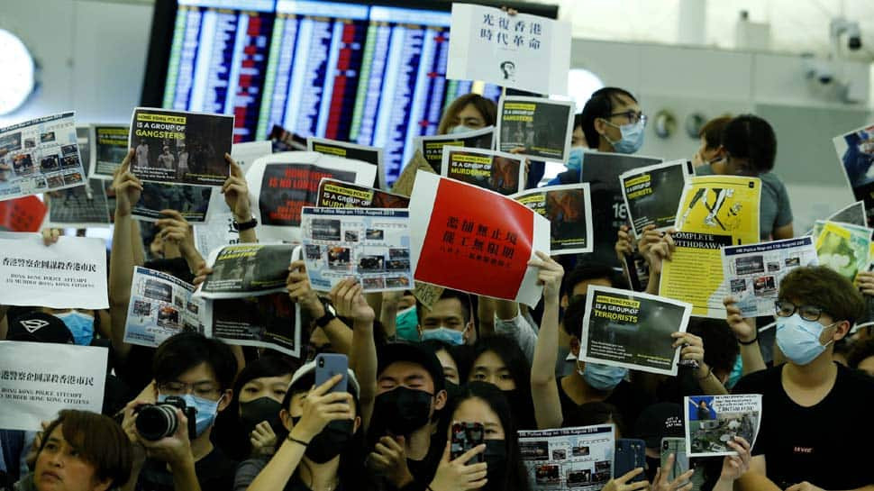 UK condemns Hong Kong violence, urges dialogue