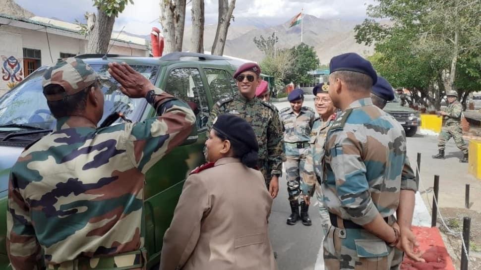 Lieutenant Colonel Mahendra Singh Dhoni celebrates Independence Day in Ladakh