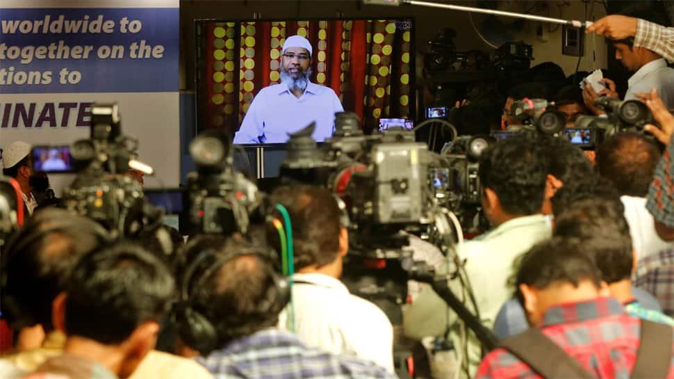Malaysia to question Islamic preacher Zakir Naik over racially sensitive remarks