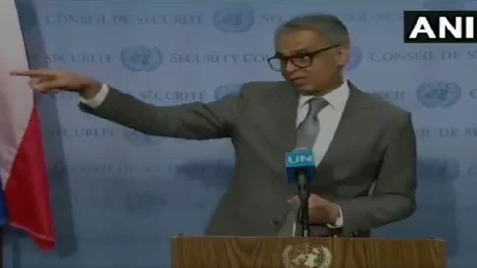 Watch: Syed Akbaruddin calmly shuts down Pakistani journalists, video goes viral
