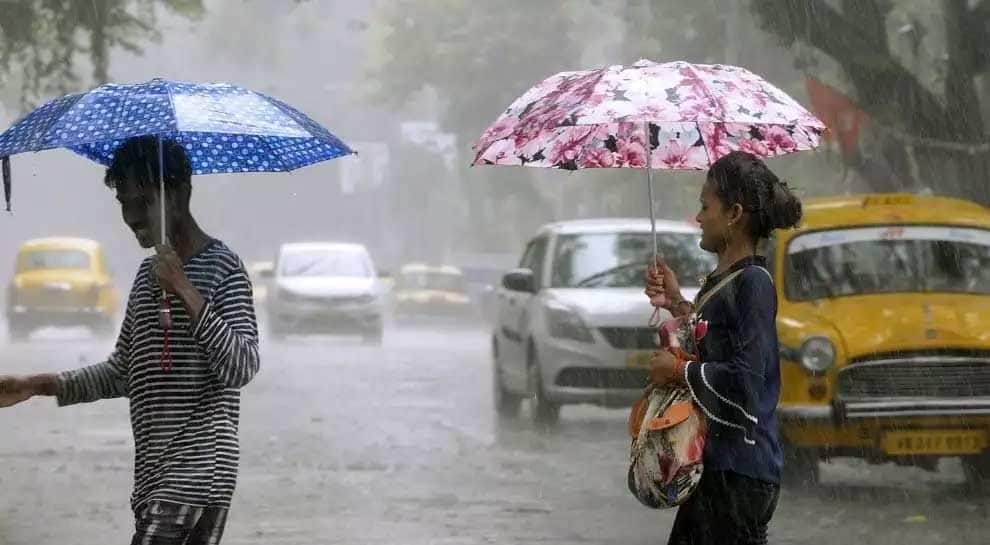 Heavy rain lashes Kolkata for second day; flights, train services hit, power supply cut
