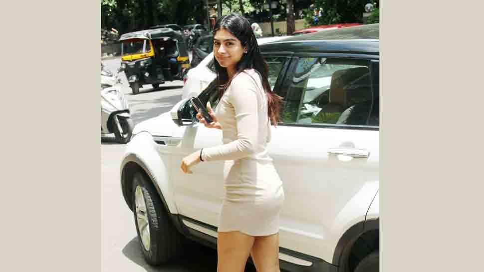 Khushi Kapoor looks stunningly stylish as she gets papped outside Manish Malhotra's office — See photos